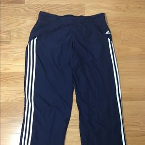 #386–. Adidas athletic pants lightweight size L